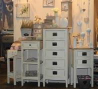 Komody - styl provensálský dřevěný nábytek